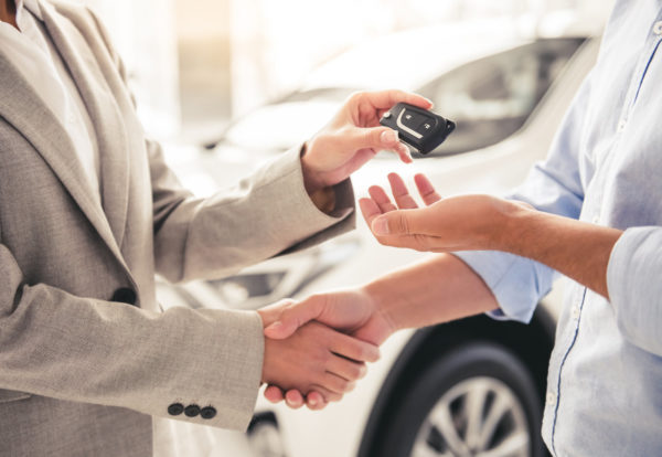 visiting-car-dealership-28SSLMB_Easy-Resize.com
